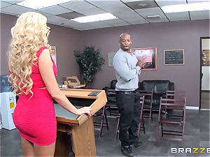 Summer Brielle is stretched wide open by a bbc