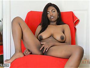 Daya Knight plays with her honeypot