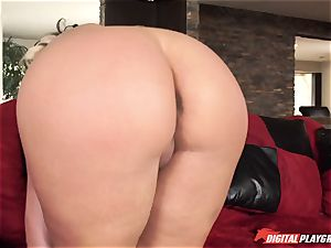 young dude Danny Dee pounds his ex-girlfriend's busty mom Phoenix Marie