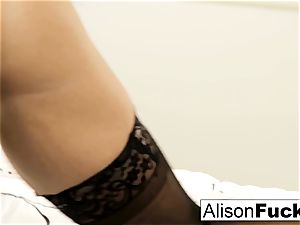 phat tittie Alison taunts
