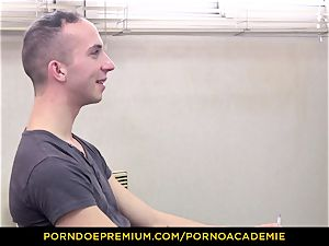porno ACADEMIE - instructor Valentina Nappi MMF 3some