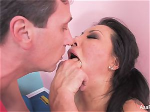 japanese sex industry star Asa Akira gets an anal stretching