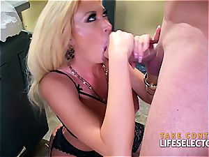 mummy platinum-blonde loves the doctor's meaty man sausage