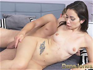 Dane Jones puny freckled Italian woman gets internal cumshot